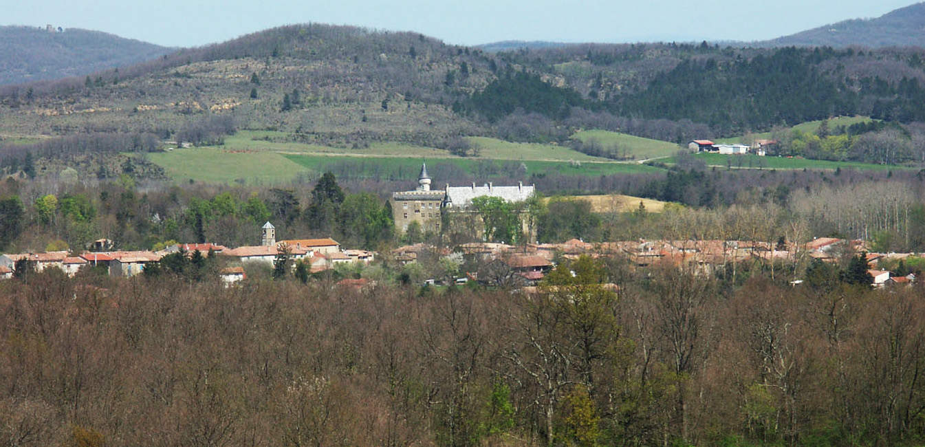 Chateau Leran + village